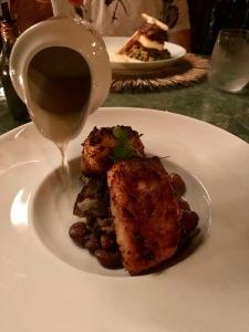 Restaurante Oca Toca Pousada Toca da Coruja Peixe assado em crosta de côco